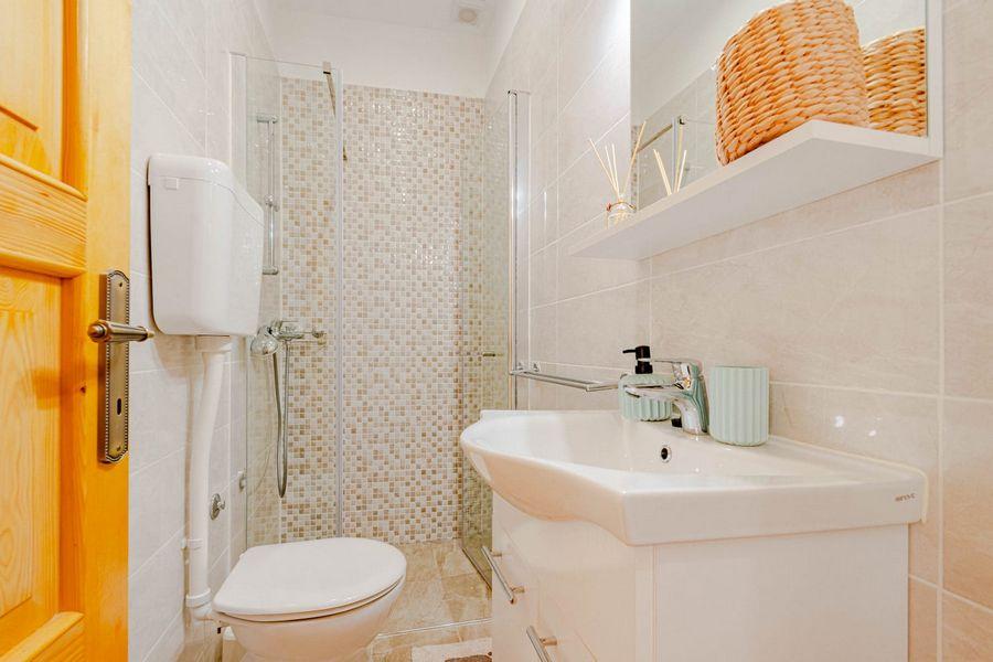 silva-apartment-vela-luka-bathroom-08-2020-pic-01