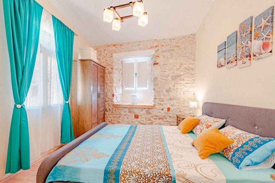 silva-apartment-vela-luka-bedroom1-08-2020-pic-03
