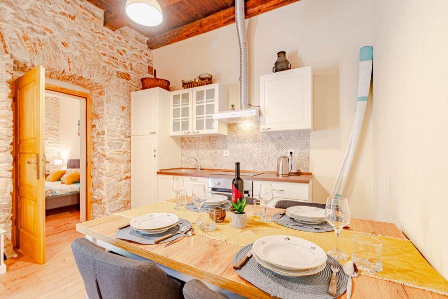 silva-apartment-vela-luka-kitchen-08-2020-pic-03