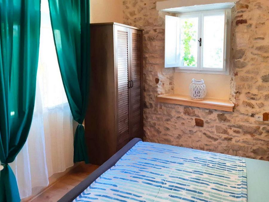 silva-apartment-vela-luka-kitchen-bedroom-02