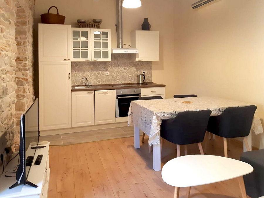 silva-apartment-vela-luka-kitchen-livingroom-01