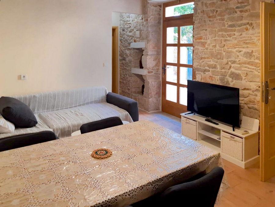 silva-apartment-vela-luka-kitchen-livingroom-03