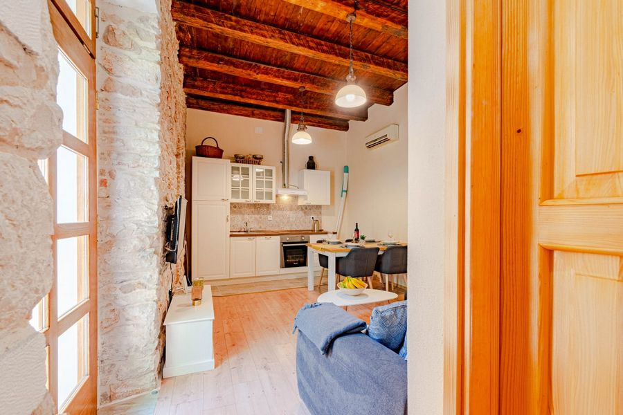 silva-apartment-vela-luka-livingroom-08-2020-pic-03